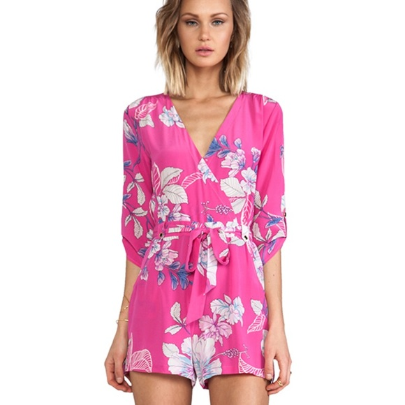 2804b42888f Yumi Kim silk floral pink romper. M 5aeb7f87b7f72b82acfb3ff3